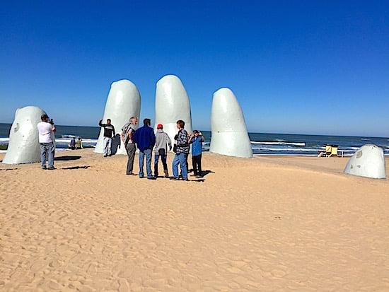 punta-del-este-hand-uruguay