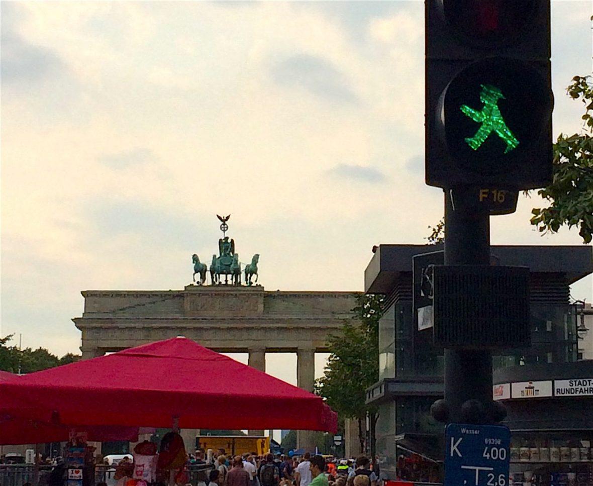 berlin-crosswalk-sign