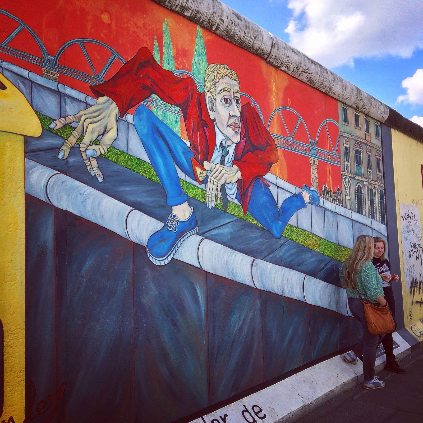 berlin-wall-jump-mural
