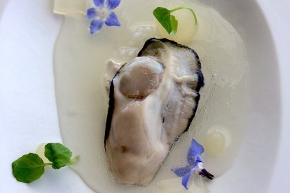 oyster-pear-sauce-mirazur-france