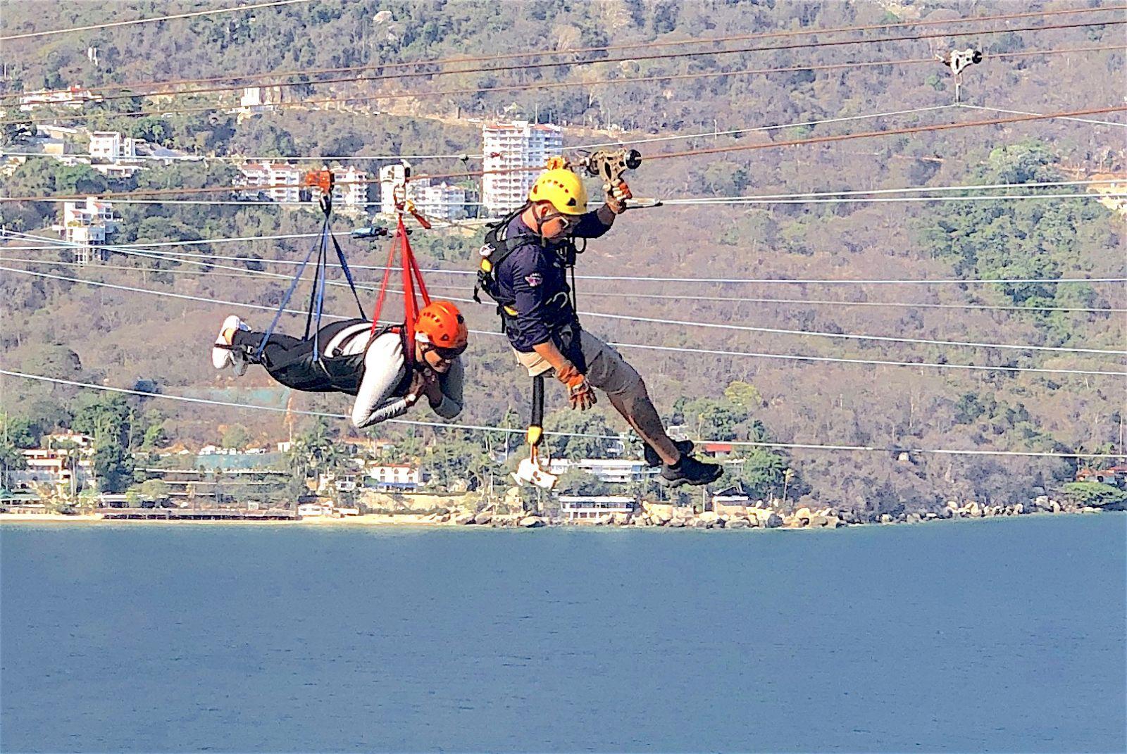 xtasea-zipline-rescue