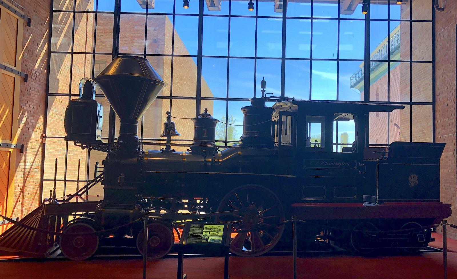 california-railroad-museum-silhouette