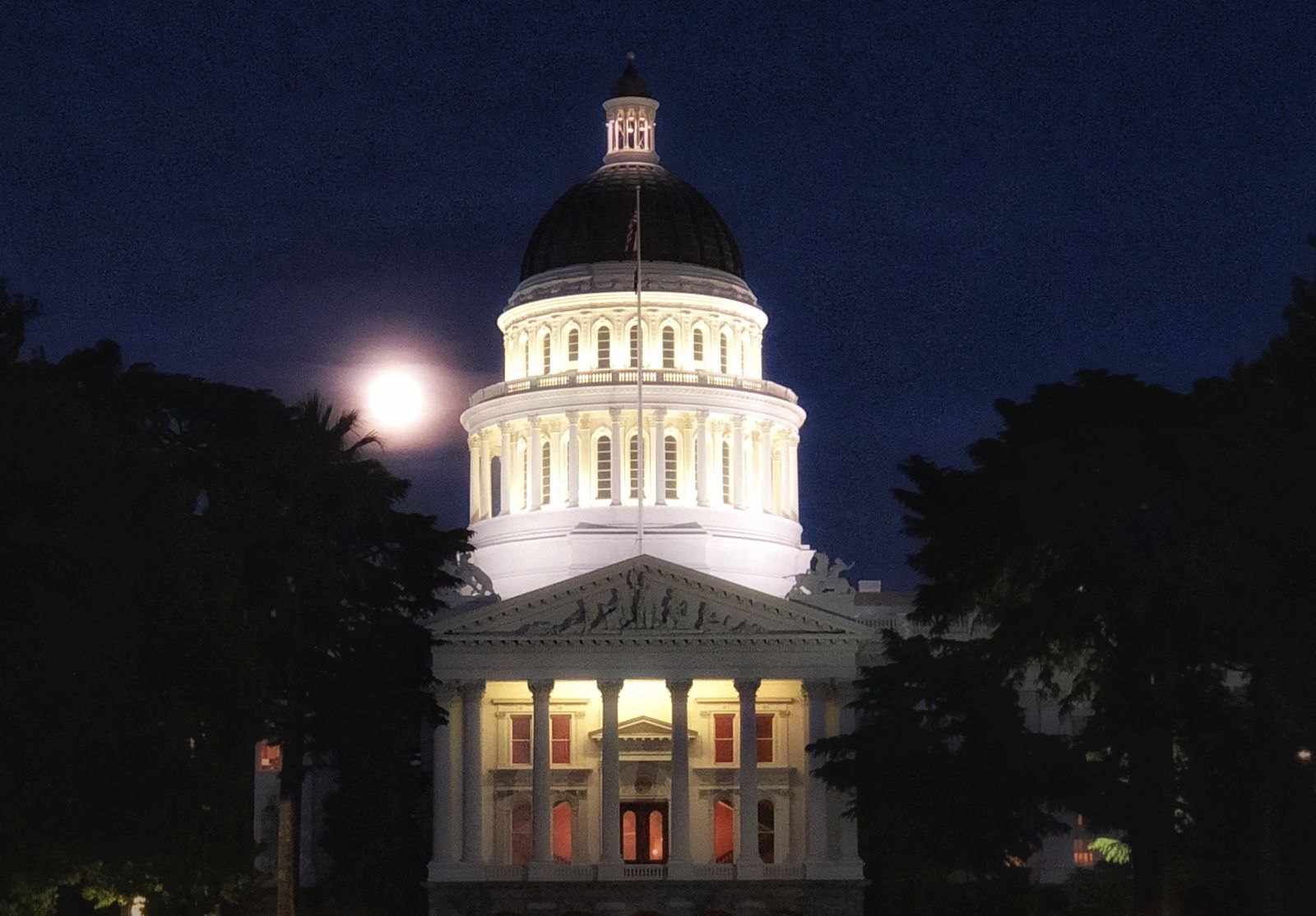 24 Hours in Sacramento for Art, Beer, and