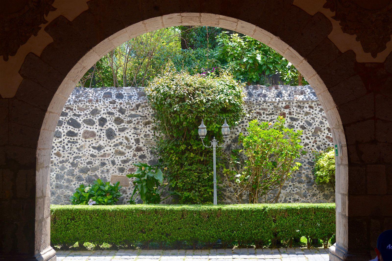 coyoacan-garden-view-intervention-museum