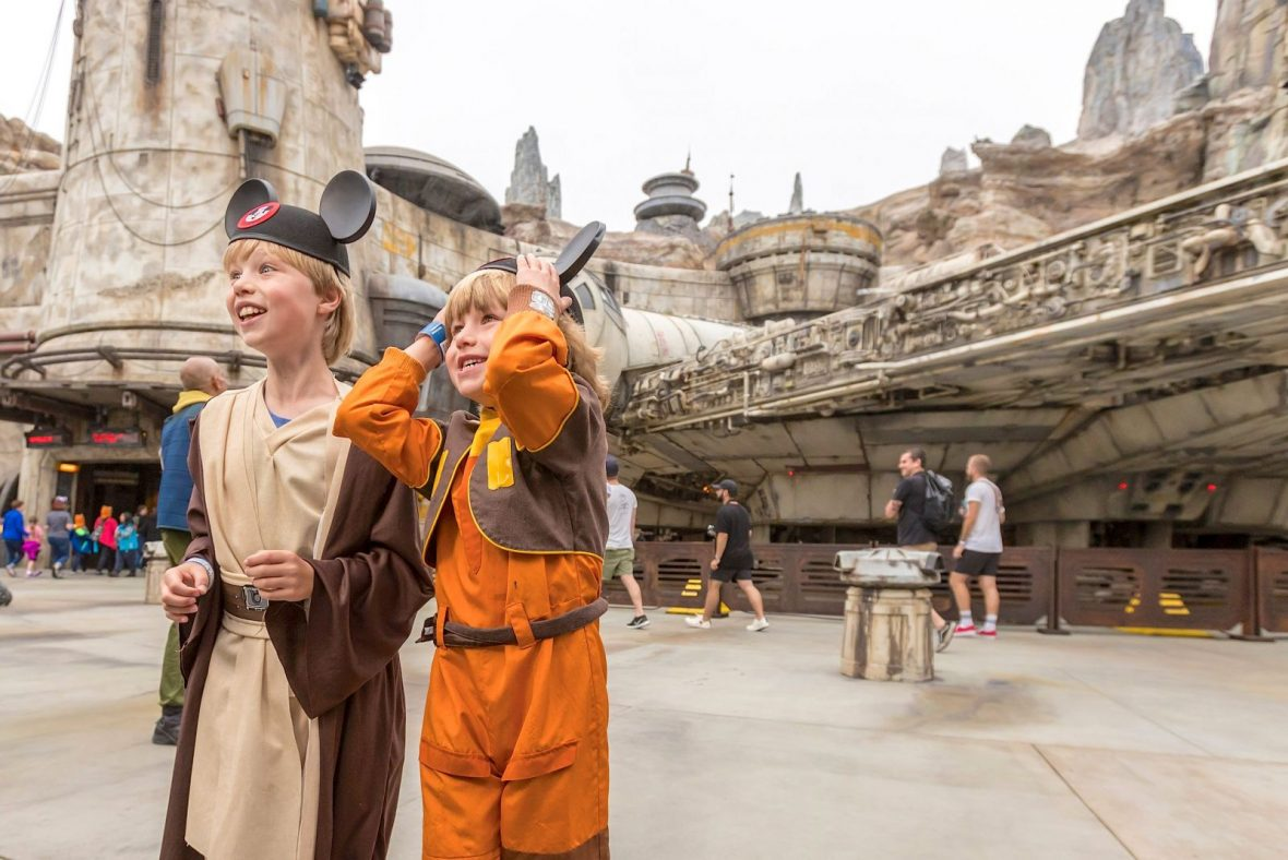 kids-disneyland-star-wars-galaxys-edge