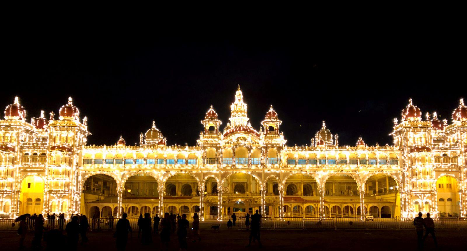 mysore-palace-at-night-cropped