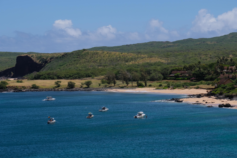 kepuhi-boats-molokai-hawaii