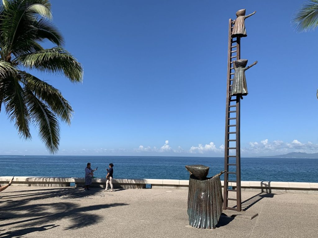 This image has an empty alt attribute; its file name is Puerto-Vallarta-8-1024x768.jpg