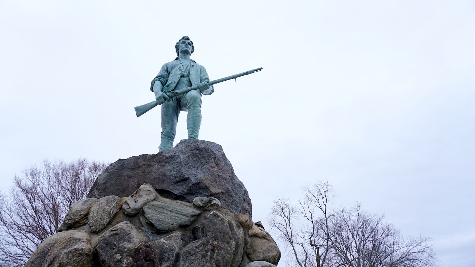 revolutionary-war-statue-concord-mass