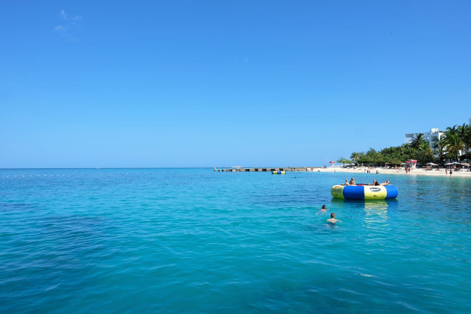 Jamaica-S-Hotel-beach-montego-bay
