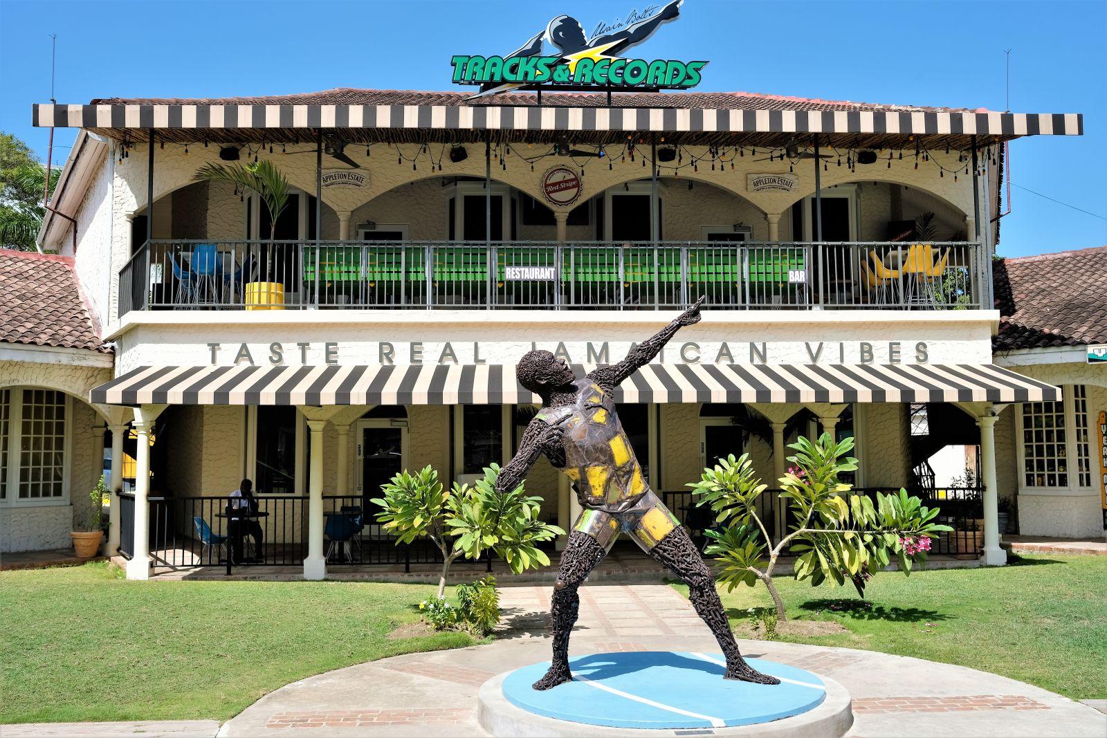 Jamaica-Usain-Bolt-Statue-montego-bay