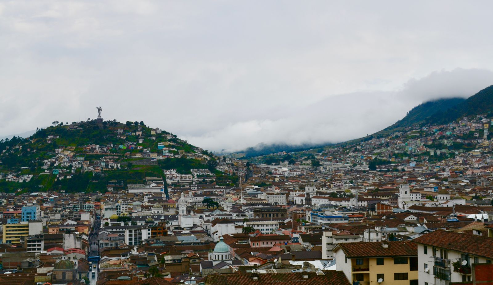 quito-clouds-in-background