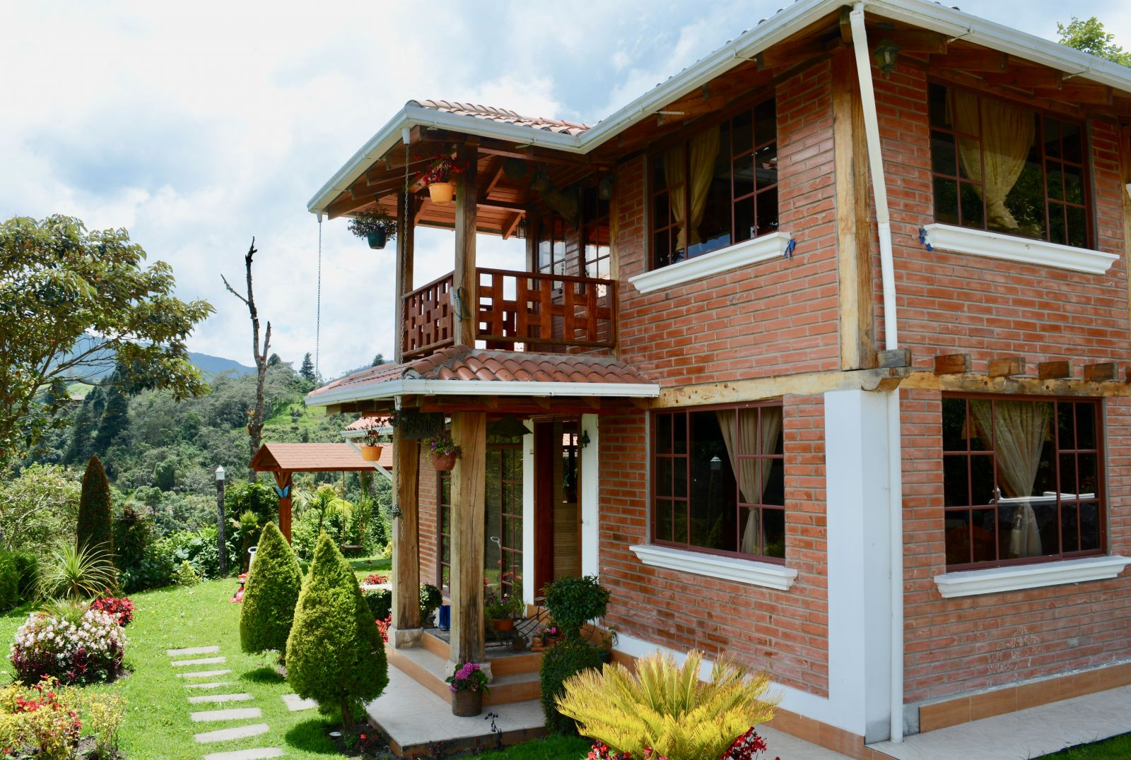 yunguilla-house-deysi-collaguazo-ecuador