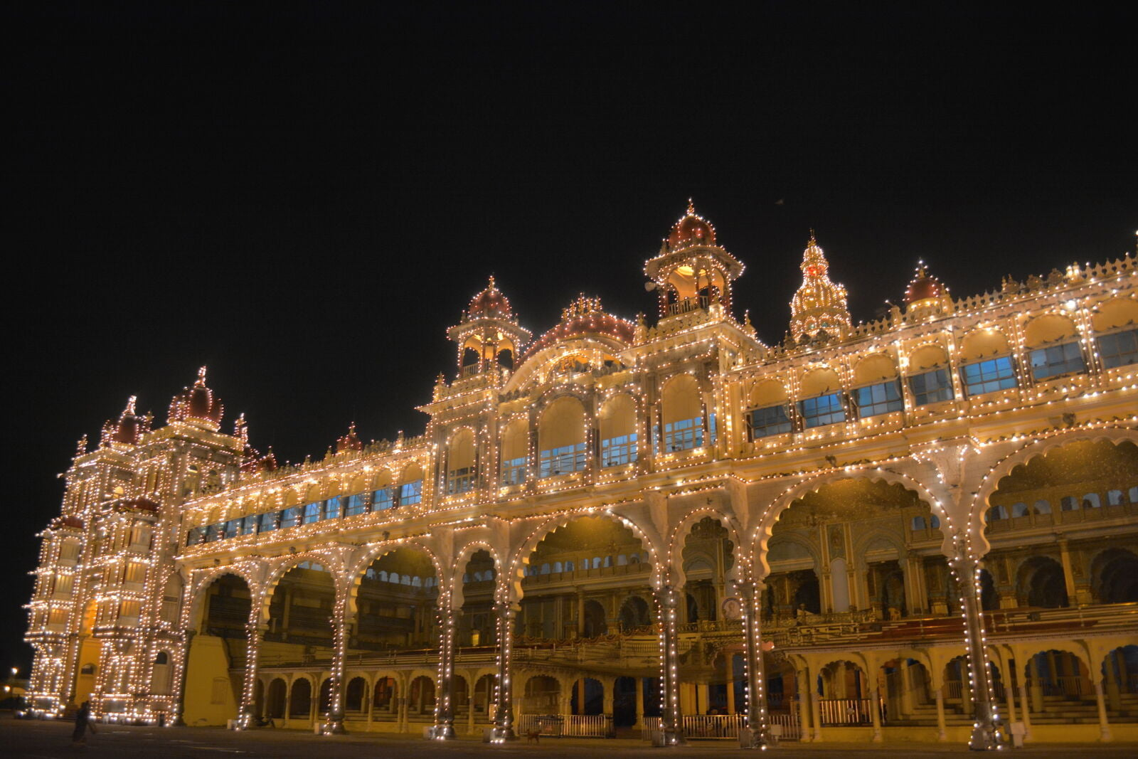 mysore-palace-side-view-night